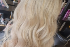 U-Tip-Hair-Extensions-by-Jenny-22/24 inch. After with curls.Creating the perfect blend of blondes.
